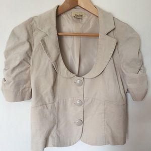 Short sleeve jacket in tan
